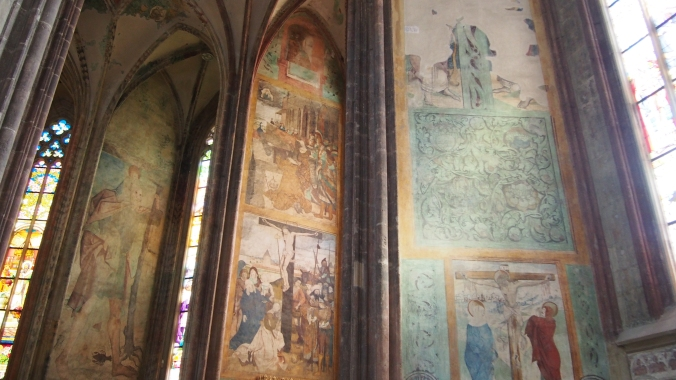 Painted walls from around 1300